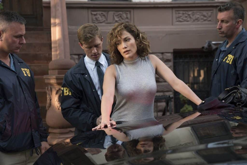 action & sexy scene with body touch of Jennifer Lopez